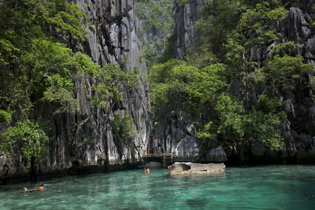Coron Travel Diary | cat-elle.com. The entrance to the Hidden Lagoon, Coron, Philippines