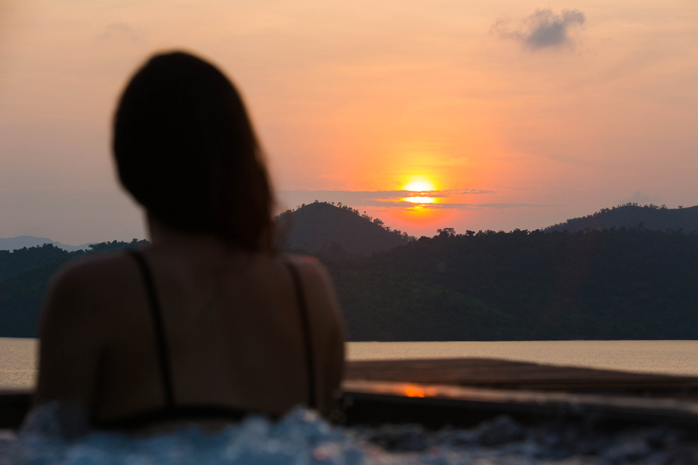 Coron Travel Diary | cat-elle.com. Surrounded by nature, watching the sun go down - my ideal getaway.