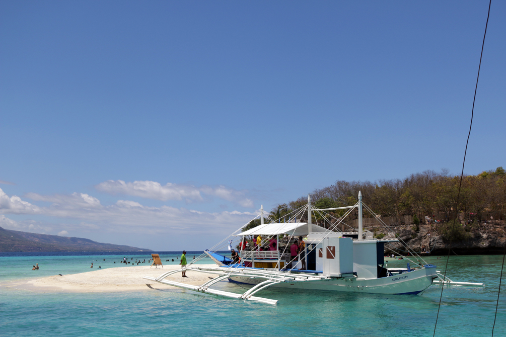 Sandbar and Beach| Dumaguete Travel Diary by Catriona Gray | cat-elle.com